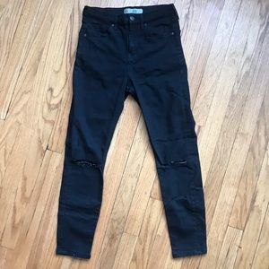 Black skinny high waisted jeans w/ distressing